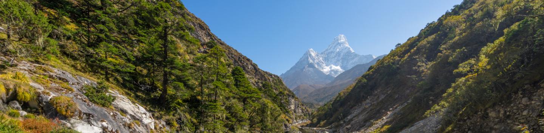 Ama Dablam Base Camp (9 days) – Alpine Club of Himalaya