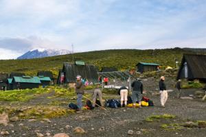marangu-itinerary-and-route-map-kilimanjaro-trekking-hiking