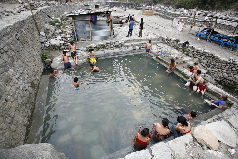 tatopani-hot-spring-annapurna-circuit